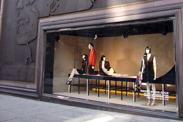 Diesel-window-displays-Spring-Summer-2013-New-York